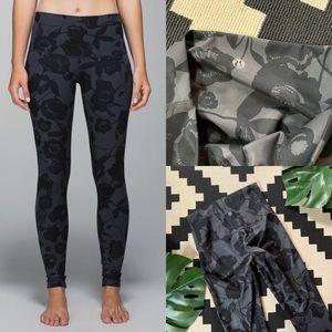 lululemon athletica Pants - Lululemon Wunder Under Leggings Inky Floral Blooms